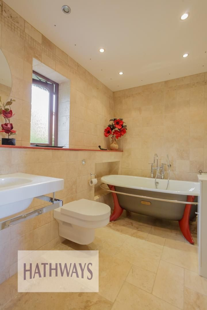 5 bed house for sale in Primrose Court 40