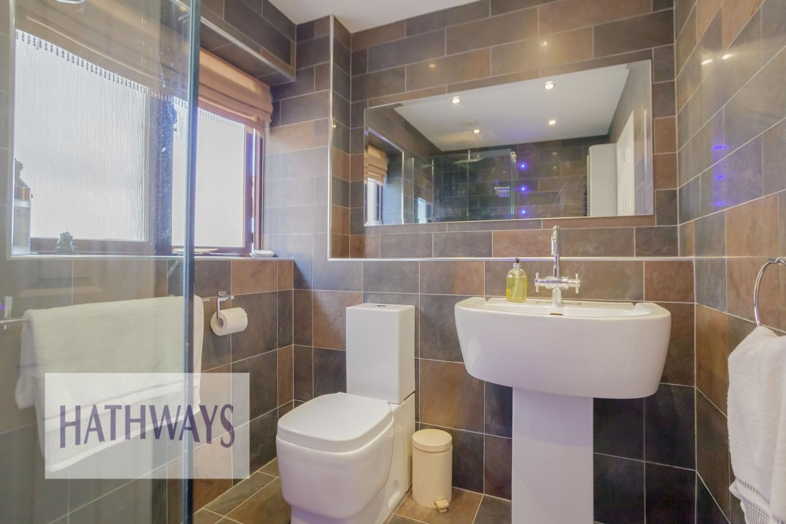 5 bed house for sale in Primrose Court 57