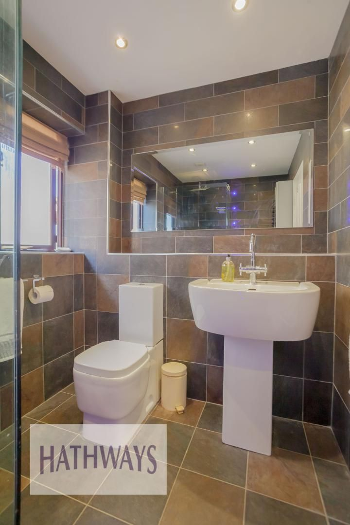 5 bed house for sale in Primrose Court 58