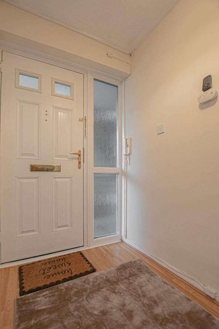 1 bed flat to rent in Drayton Court 11