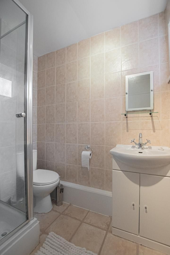 1 bed flat to rent in Drayton Court 12