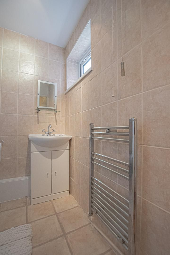 1 bed flat to rent in Drayton Court 13