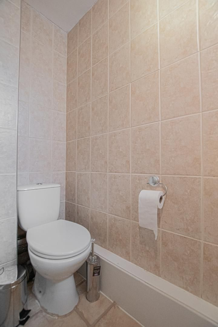 1 bed flat to rent in Drayton Court 15