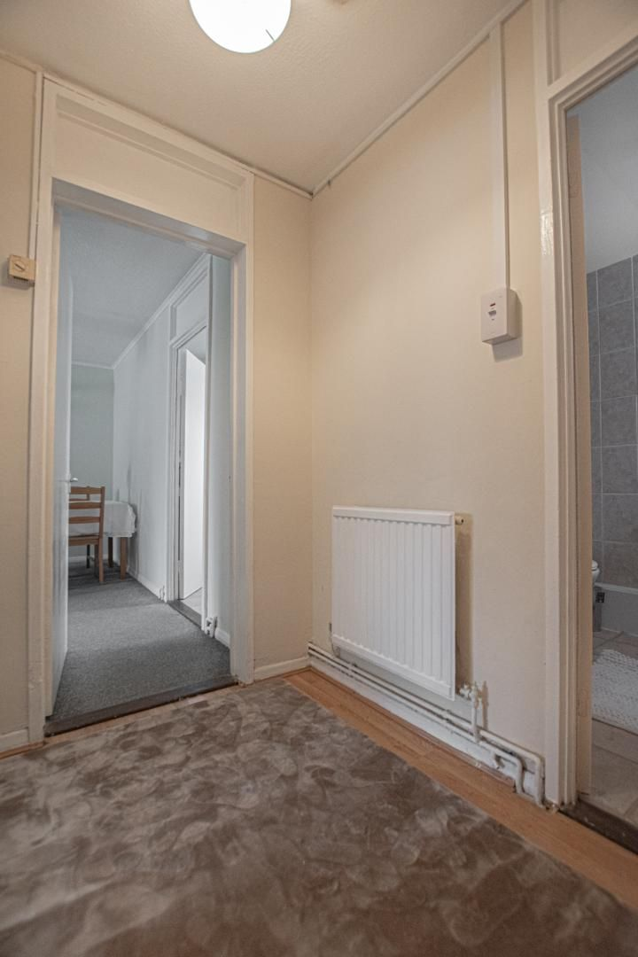 1 bed flat to rent in Drayton Court 10