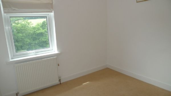 2 bed house to rent in Oaklands Terrace 6