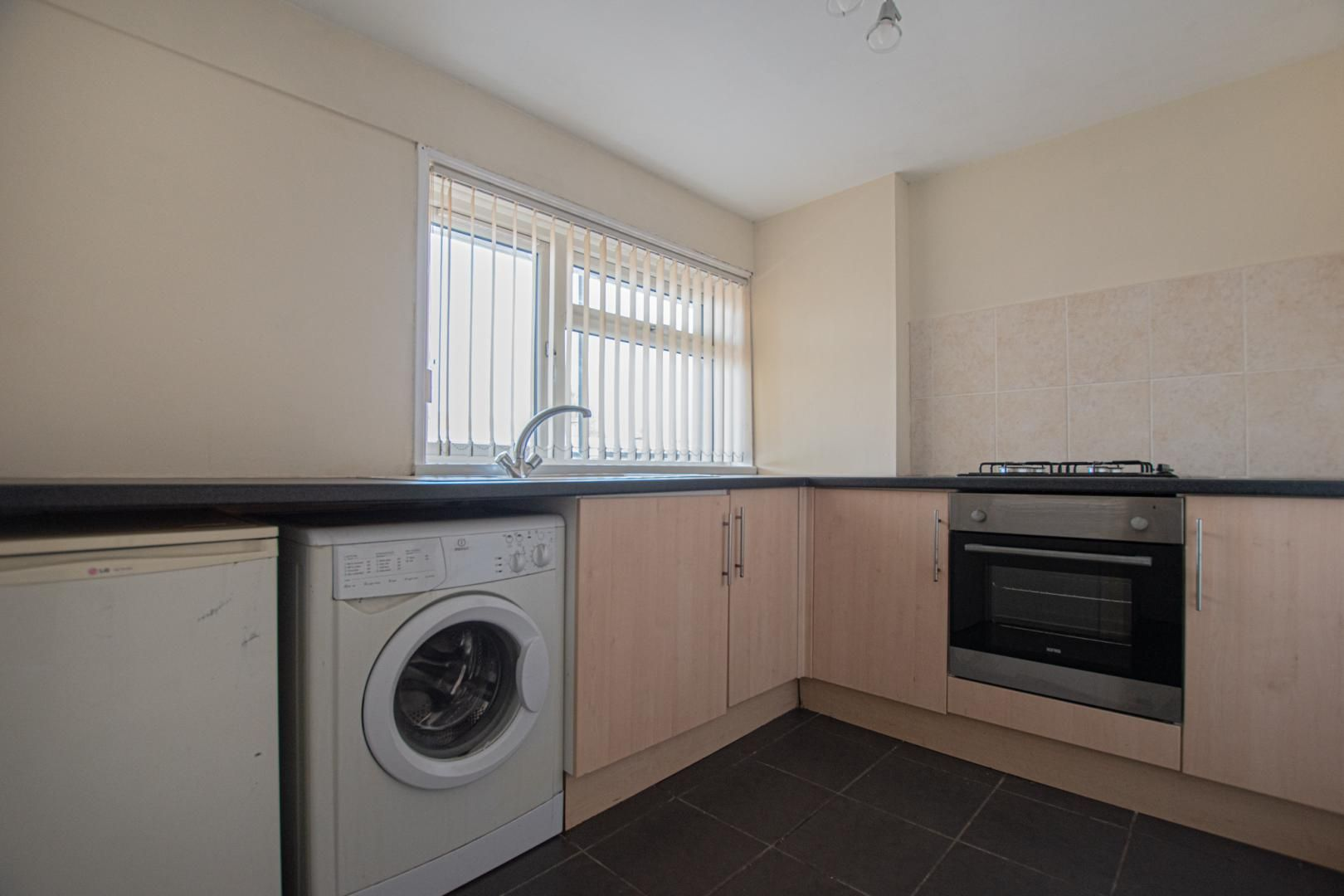 1 bed flat to rent in Plas Craig 2