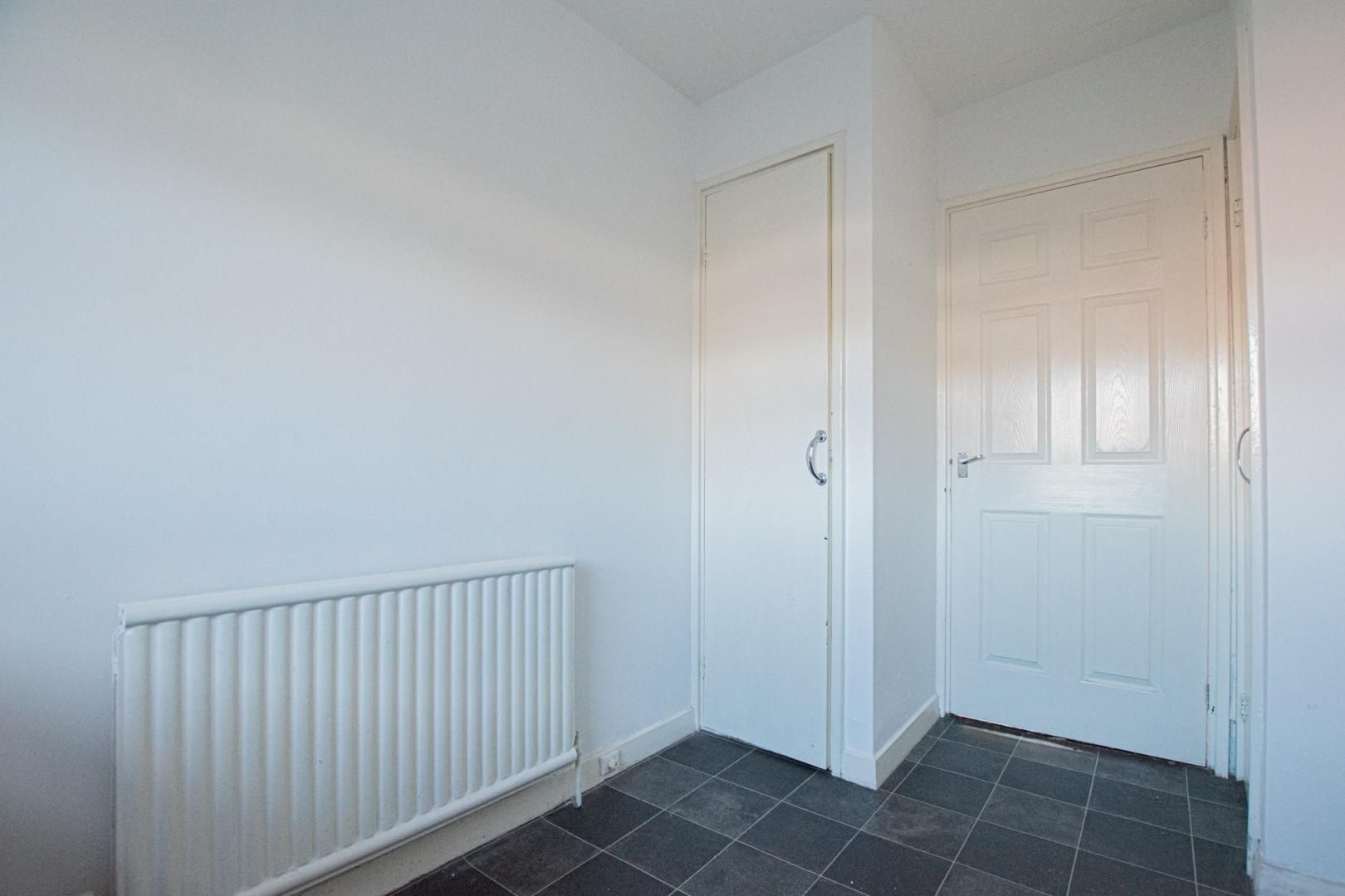 1 bed flat to rent in Tyn Y Coed 3