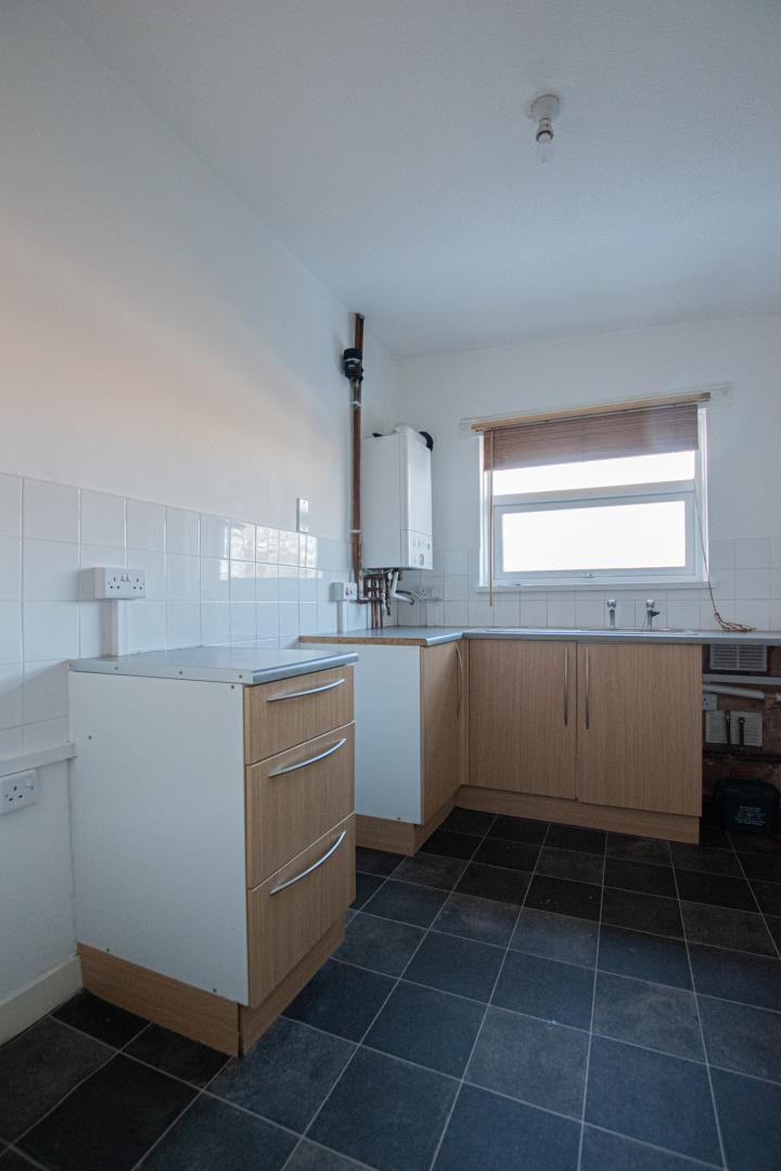 1 bed flat to rent in Tyn Y Coed 4