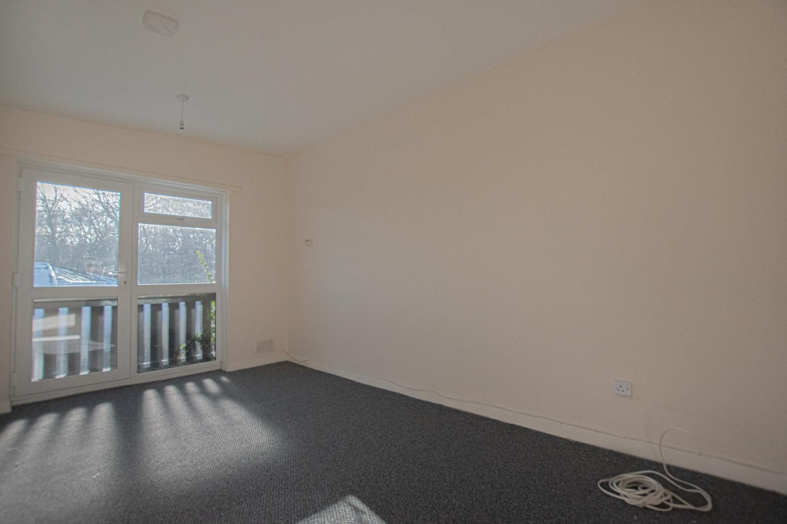 1 bed flat to rent in Tyn Y Coed 7