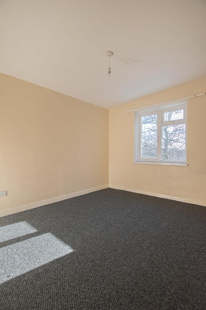1 bed flat to rent in Tyn Y Coed 10