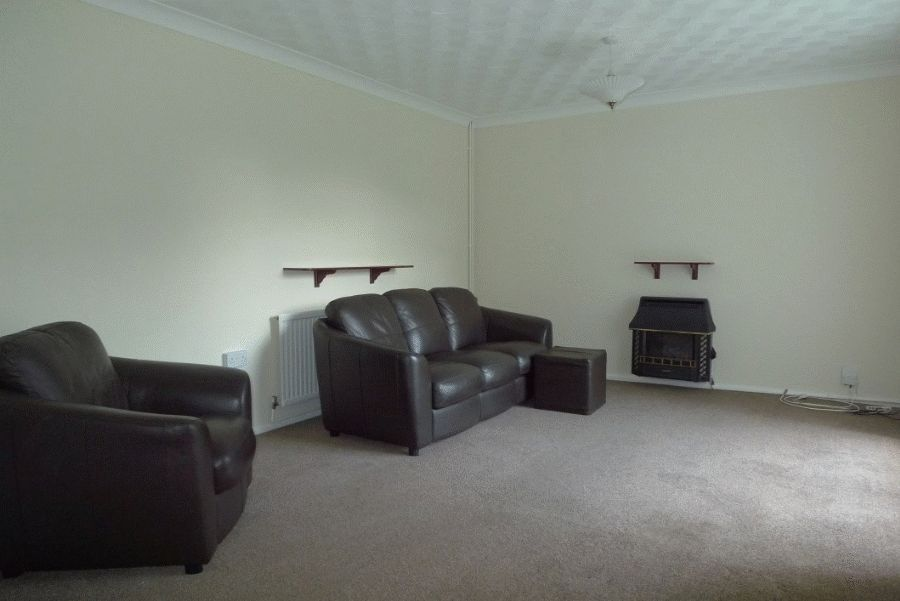 2 bed flat to rent, NP44