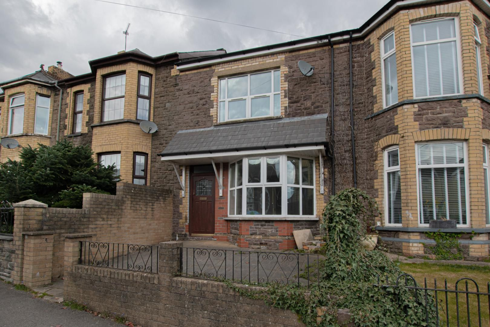 3 bed house to rent in Station Road 1