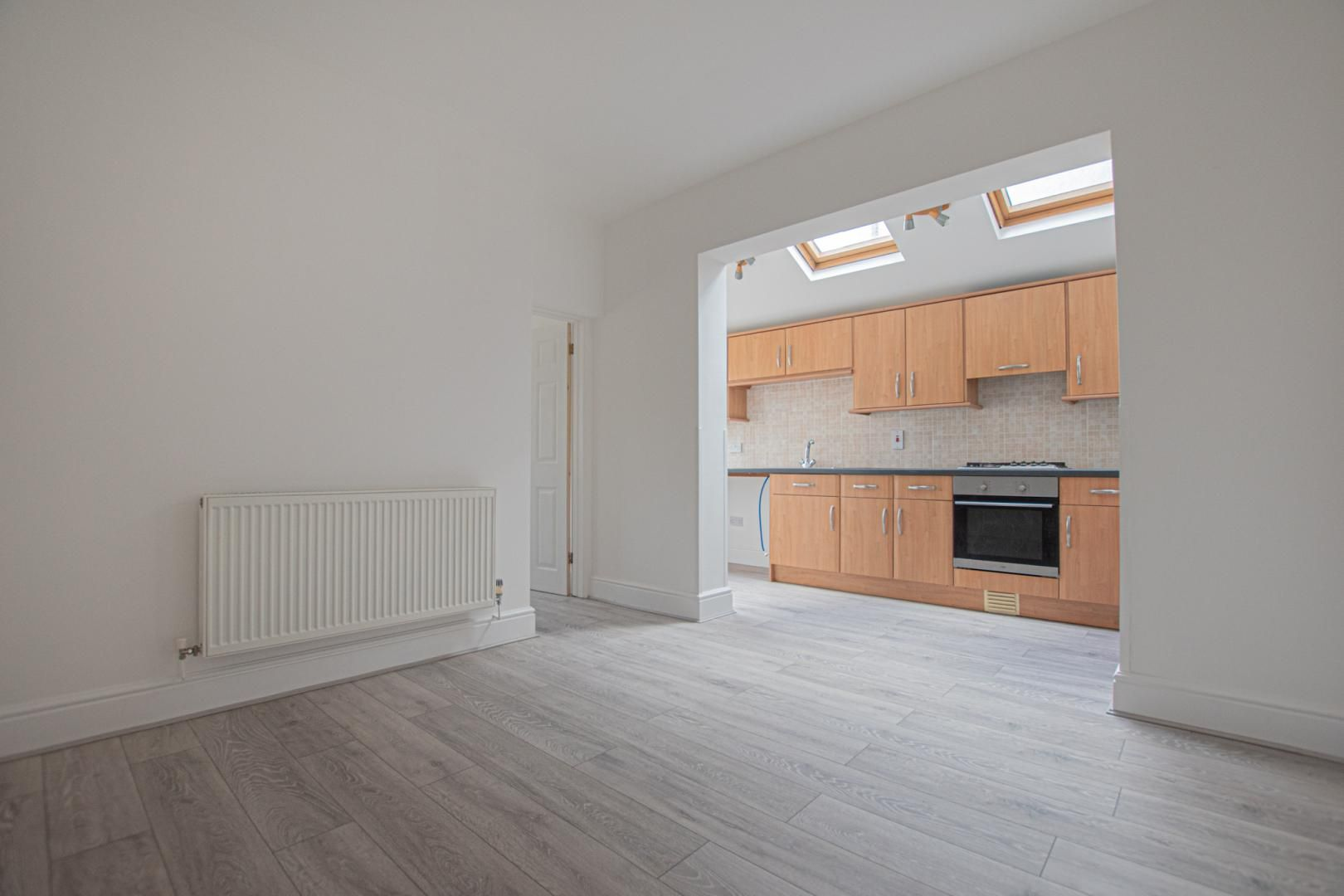 3 bed house to rent in Station Road 2