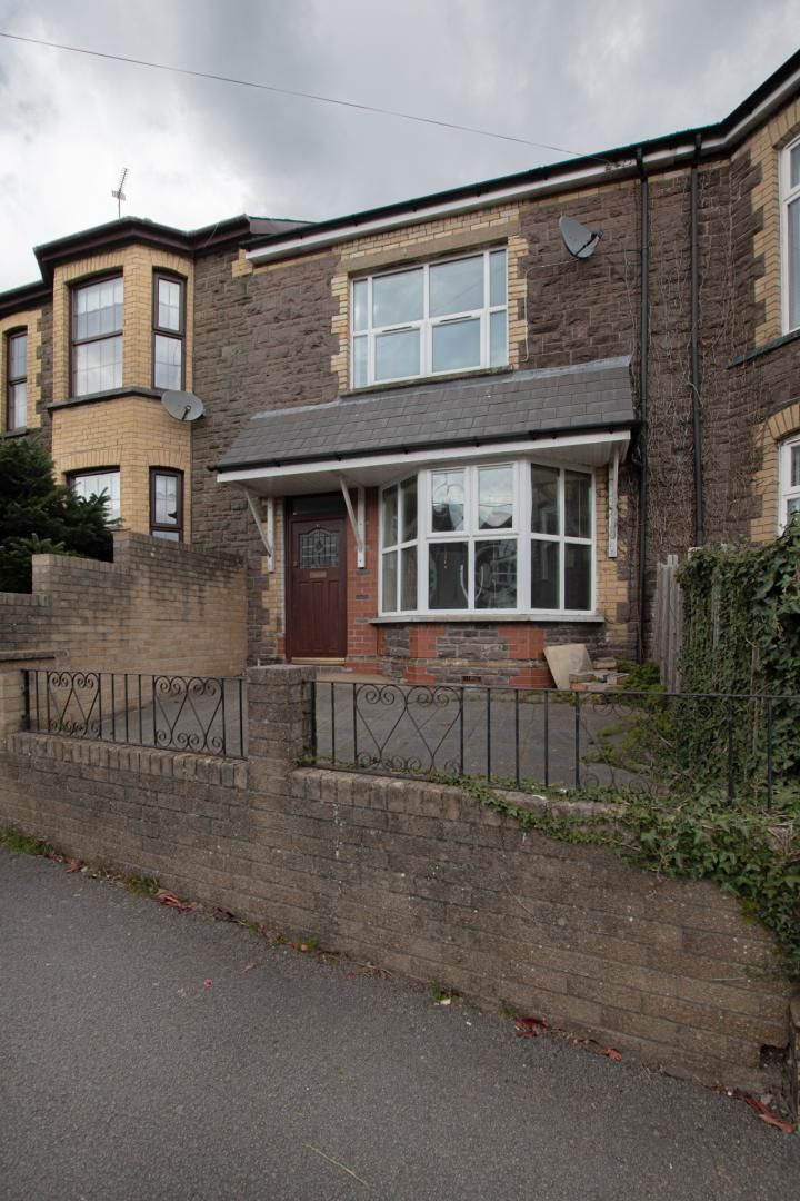 3 bed house to rent in Station Road 31