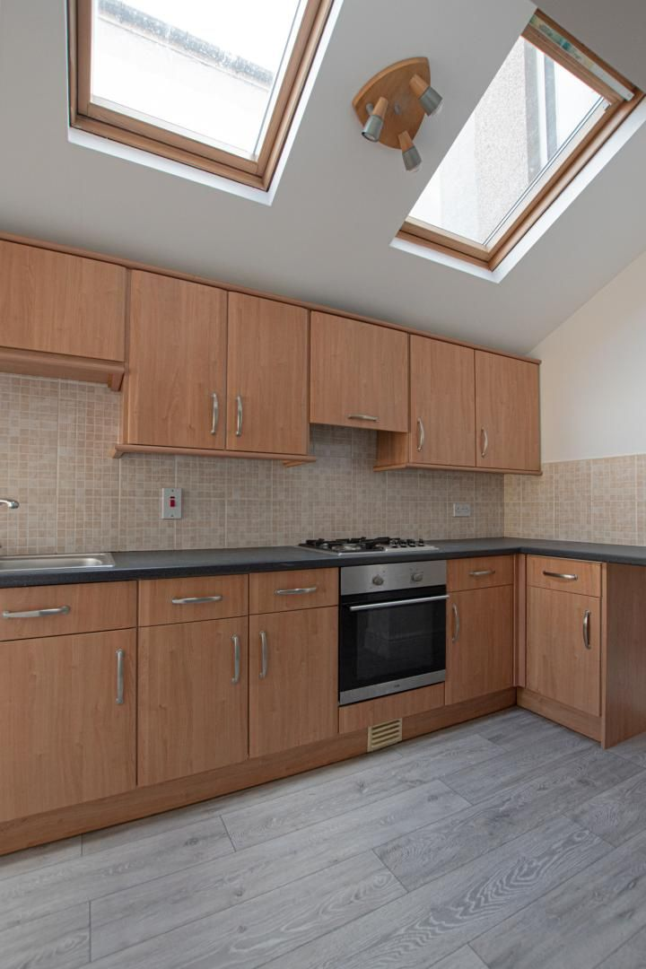 3 bed house to rent in Station Road 6