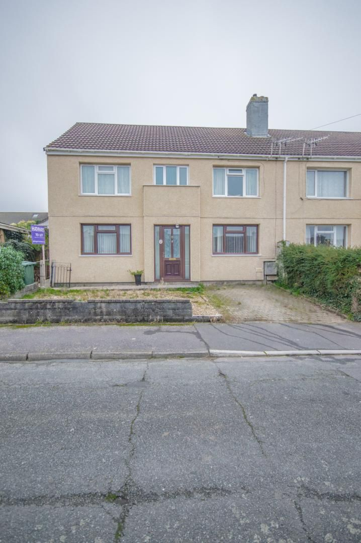 2 bed flat to rent in Glosters Parade 21