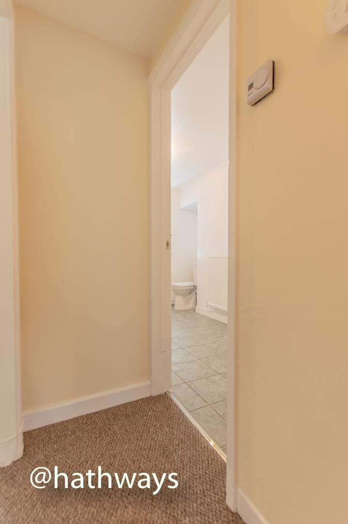 2 bed flat to rent in Newport Road  - Property Image 12