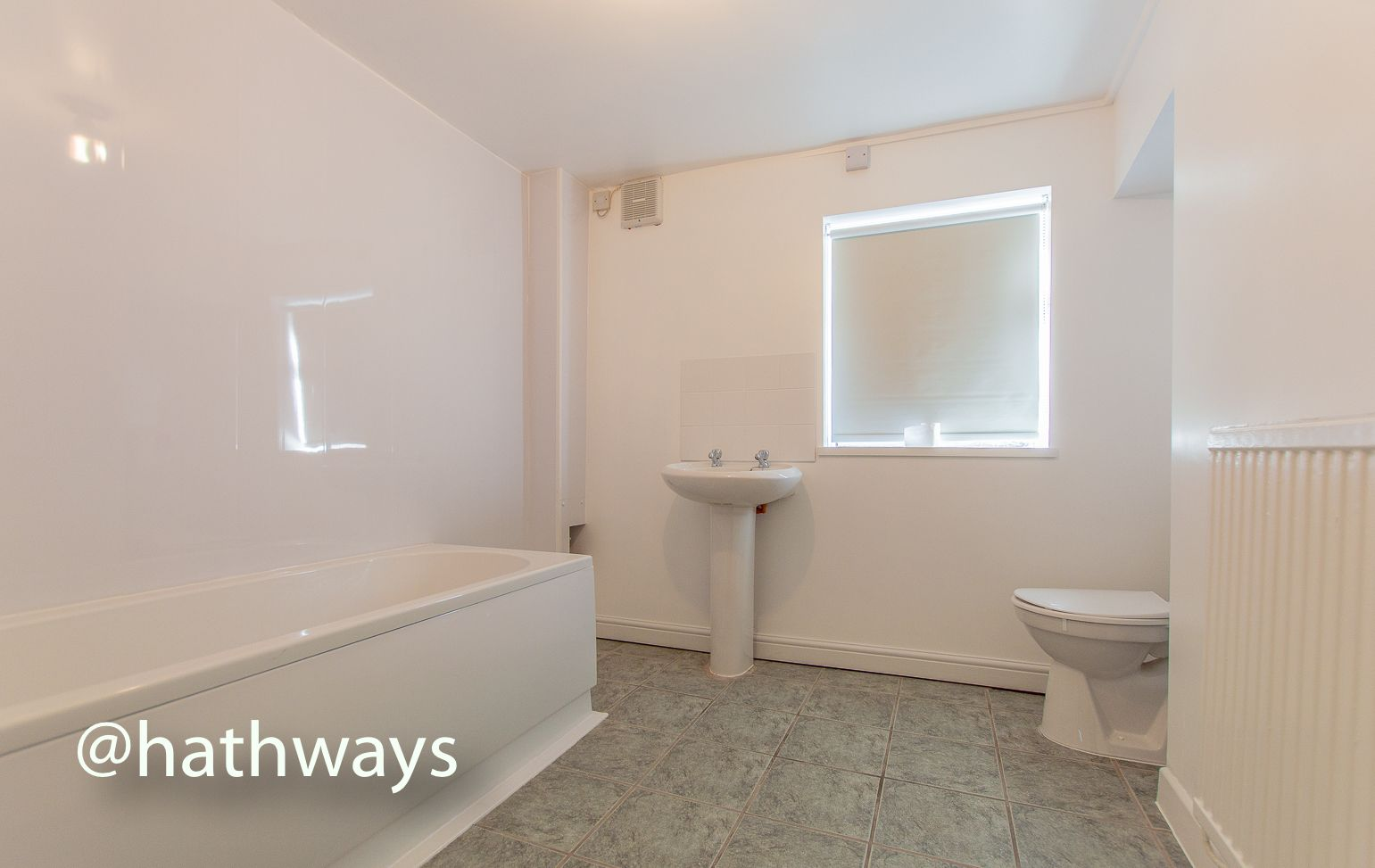 2 bed flat to rent in Newport Road 15