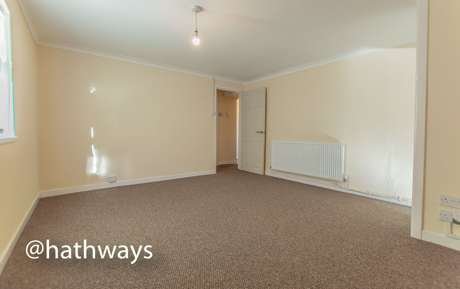 2 bed flat to rent in Newport Road 3