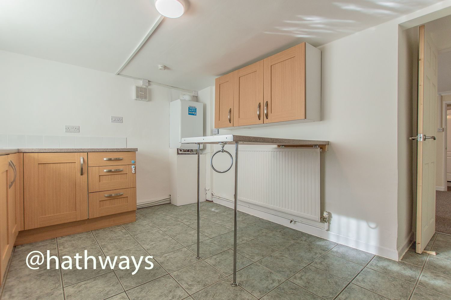 2 bed flat to rent in Newport Road 5