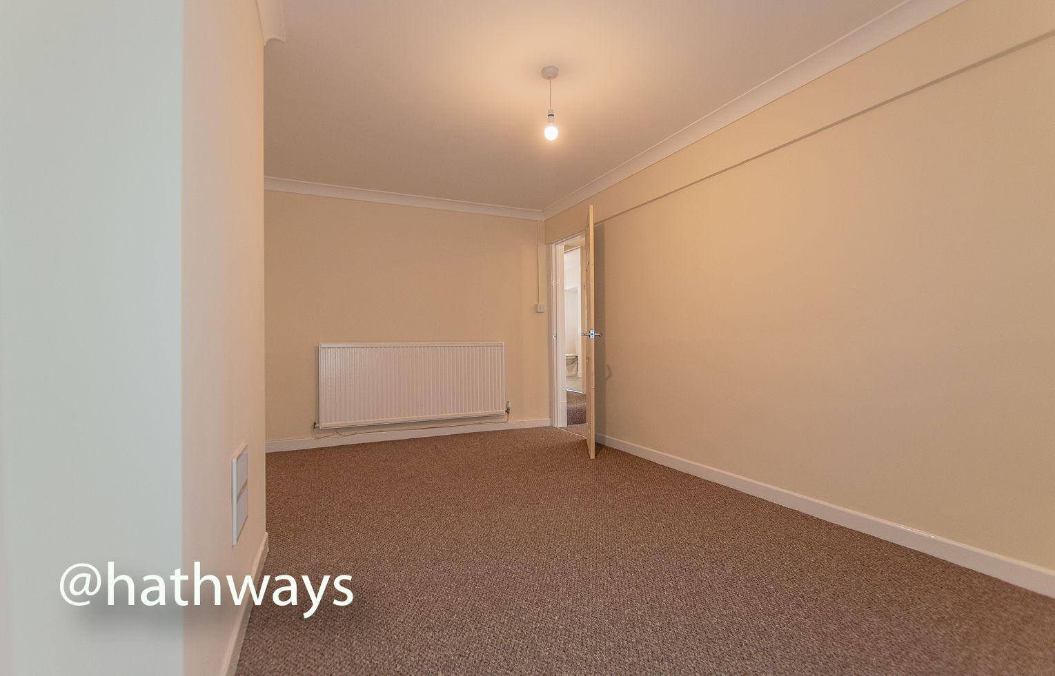 2 bed flat to rent in Newport Road 9