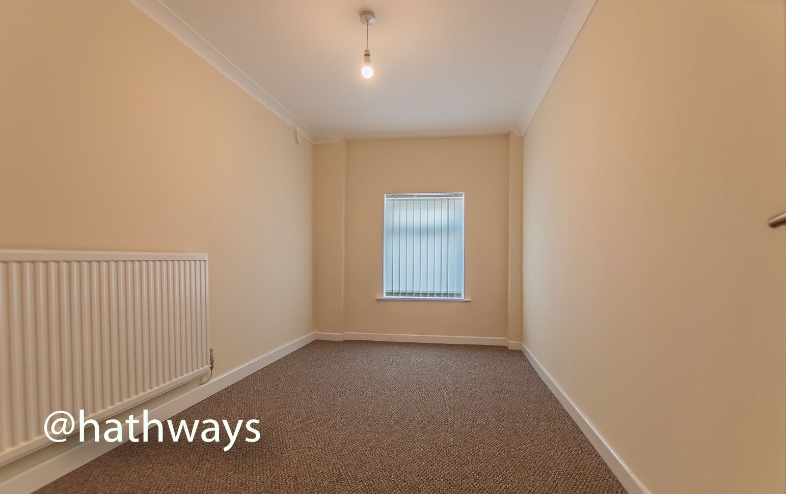 2 bed flat to rent in Newport Road 10