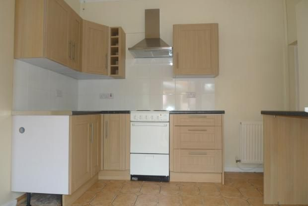 3 bed house to rent in Goldcroft Common 2