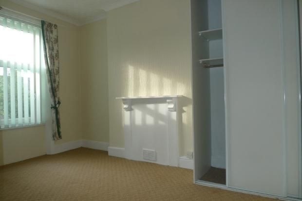 3 bed house to rent in Goldcroft Common 12