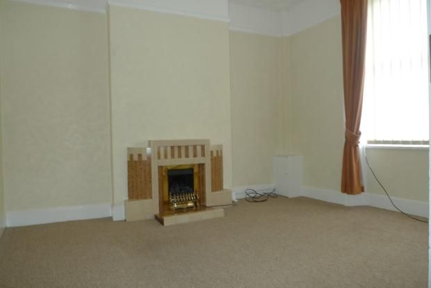 3 bed house to rent in Goldcroft Common 4