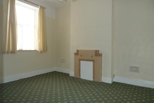 3 bed house to rent in Goldcroft Common 5