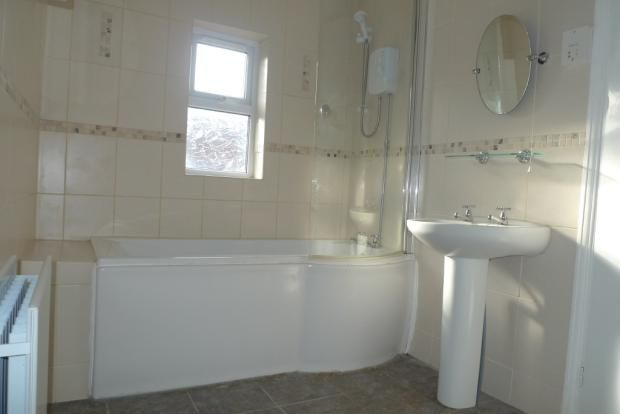 3 bed house to rent in Goldcroft Common 8