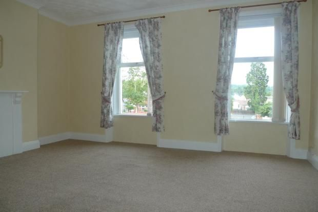3 bed house to rent in Goldcroft Common 10