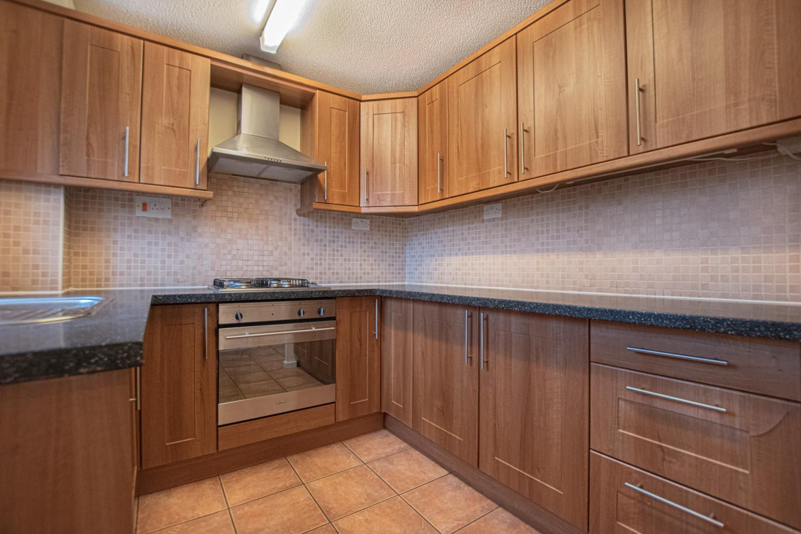2 bed house to rent in Spring Grove 2