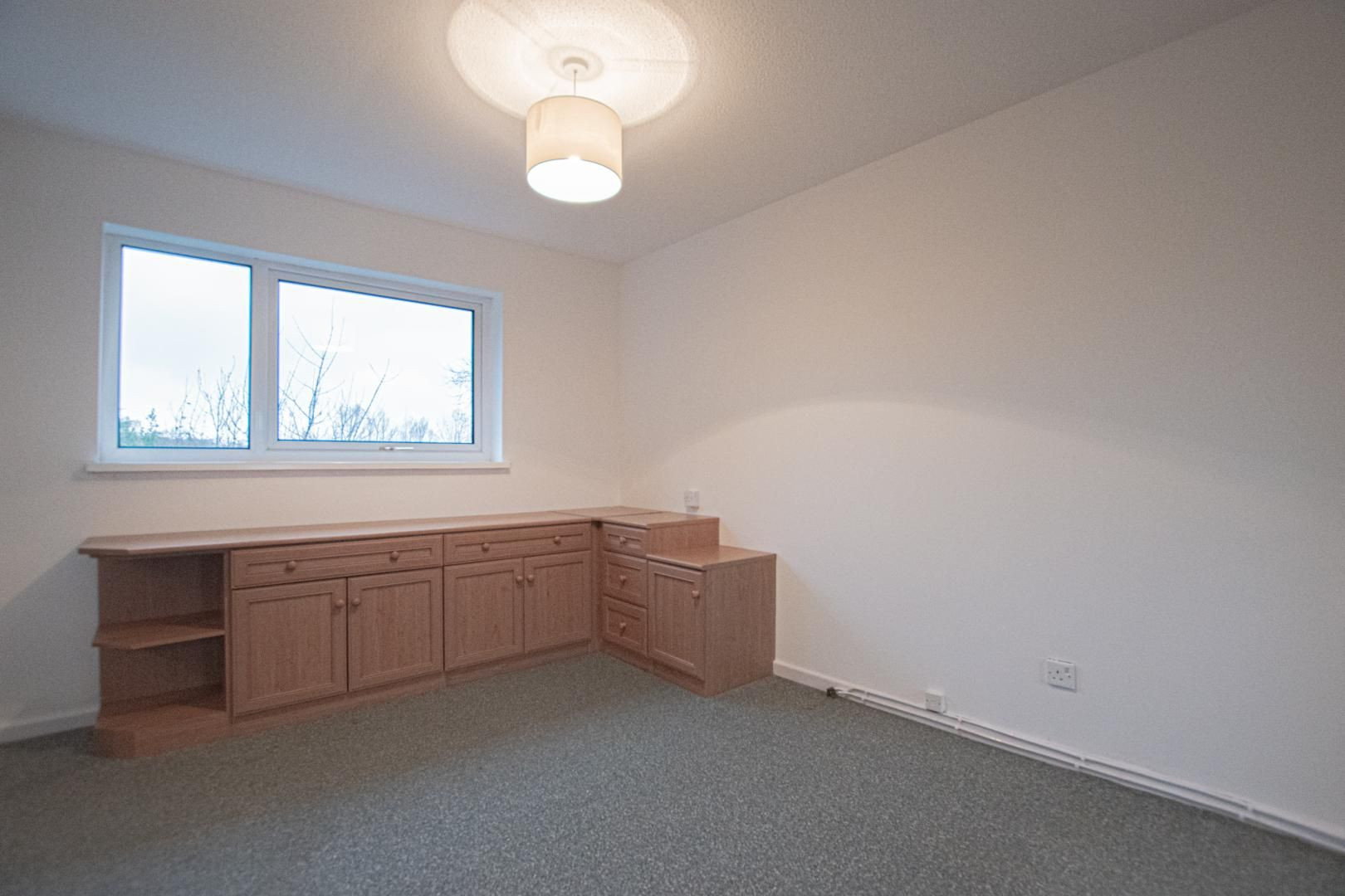2 bed house to rent in Spring Grove 12