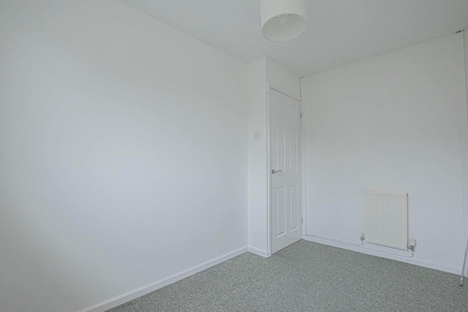 2 bed house to rent in Spring Grove 21