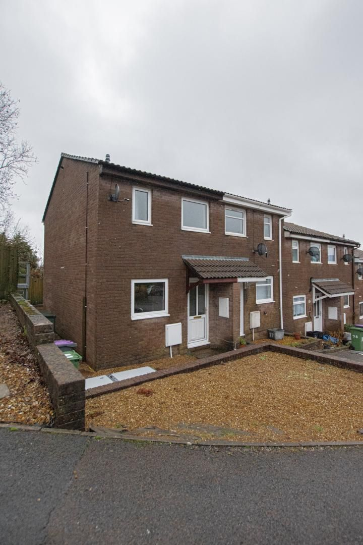 2 bed house to rent in Spring Grove 24