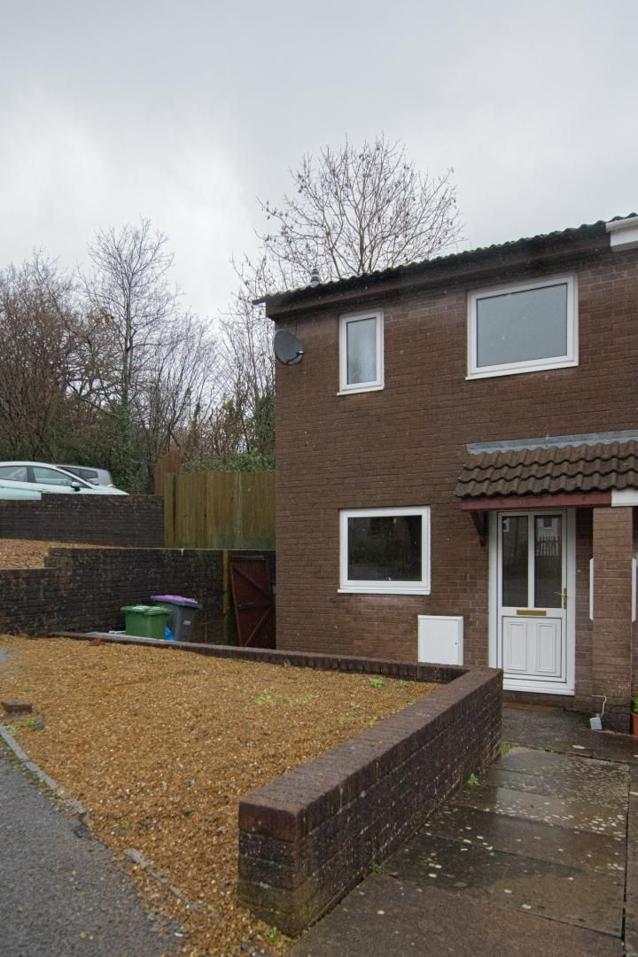 2 bed house to rent in Spring Grove 25