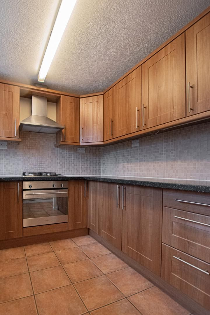 2 bed house to rent in Spring Grove 4