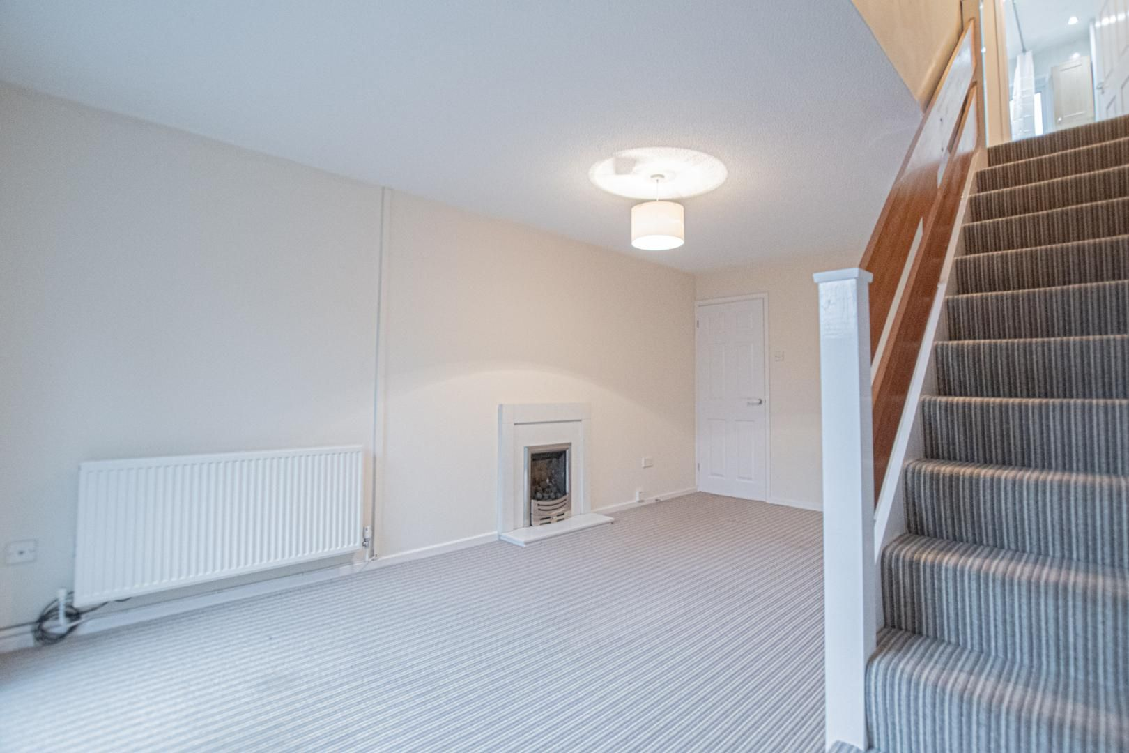 2 bed house to rent in Spring Grove 8