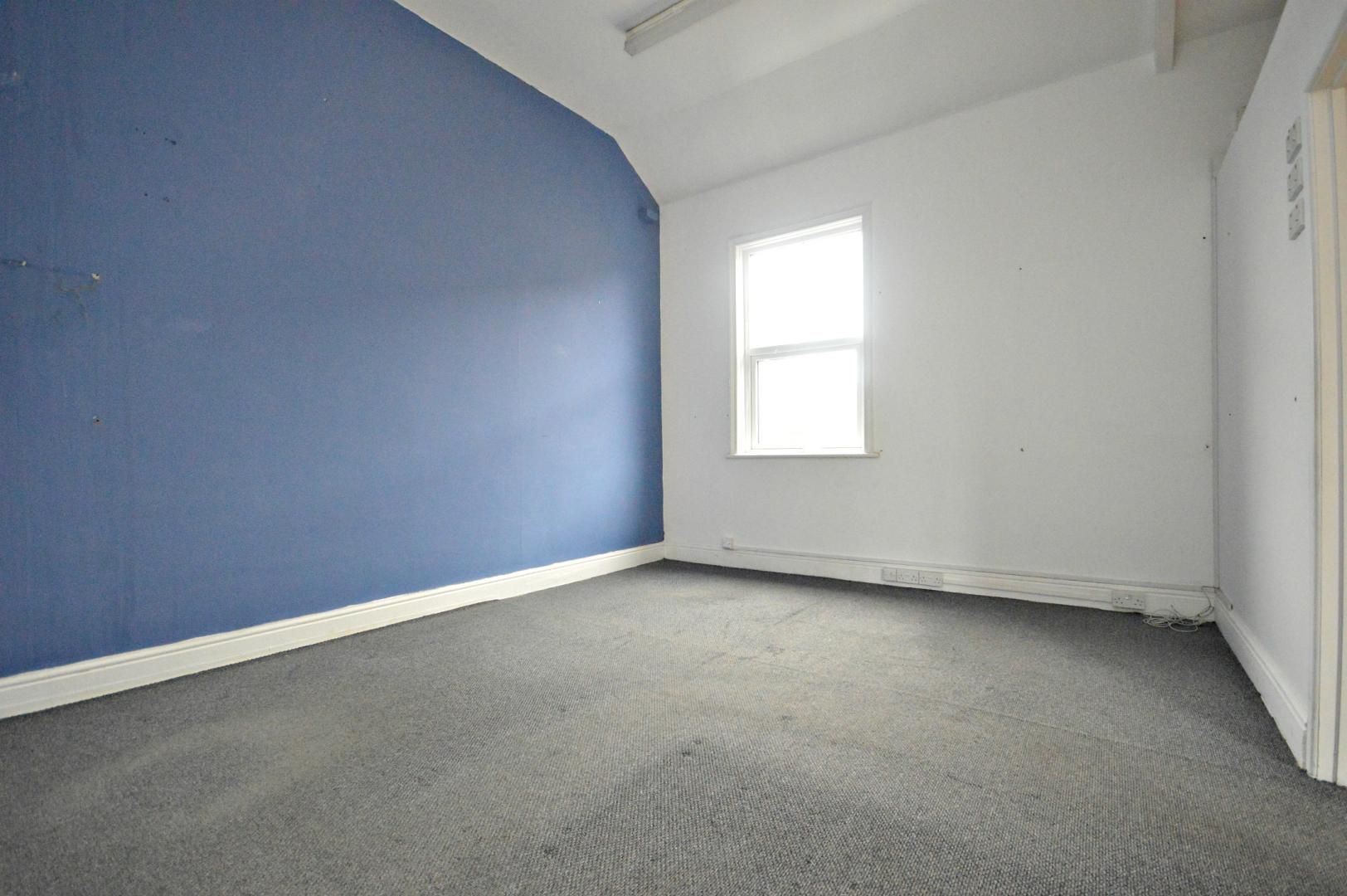 Flat to rent in New Street - Property Image 1
