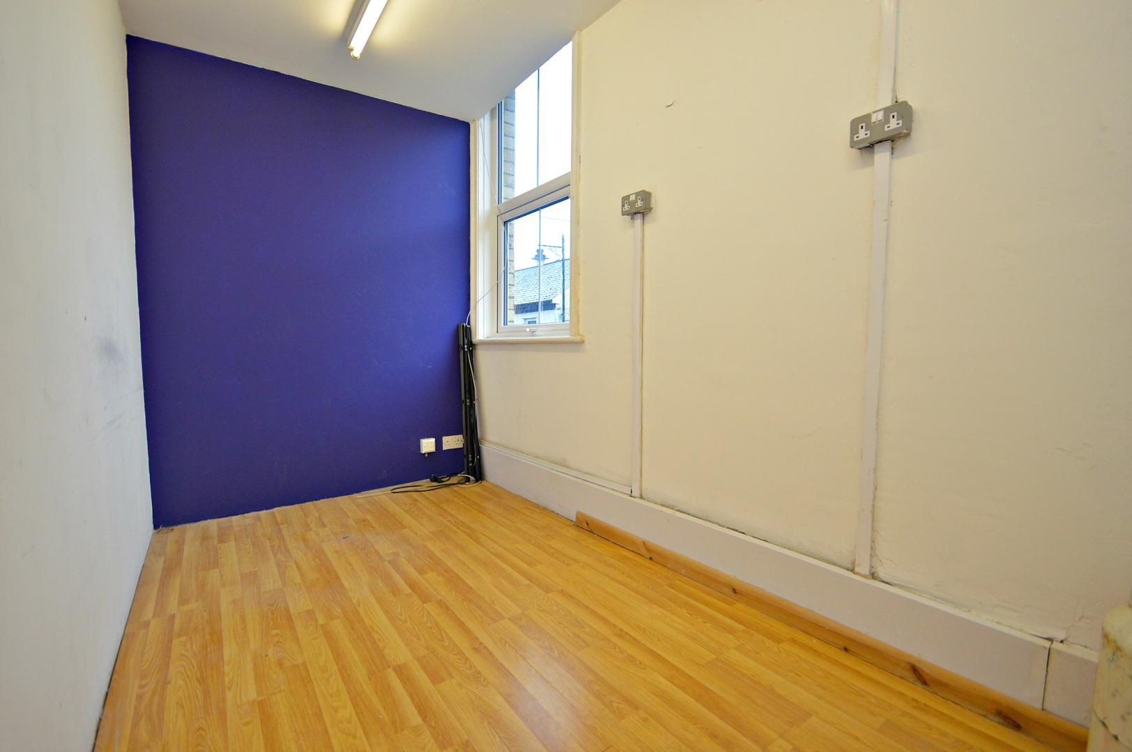 Flat to rent in New Street  - Property Image 5