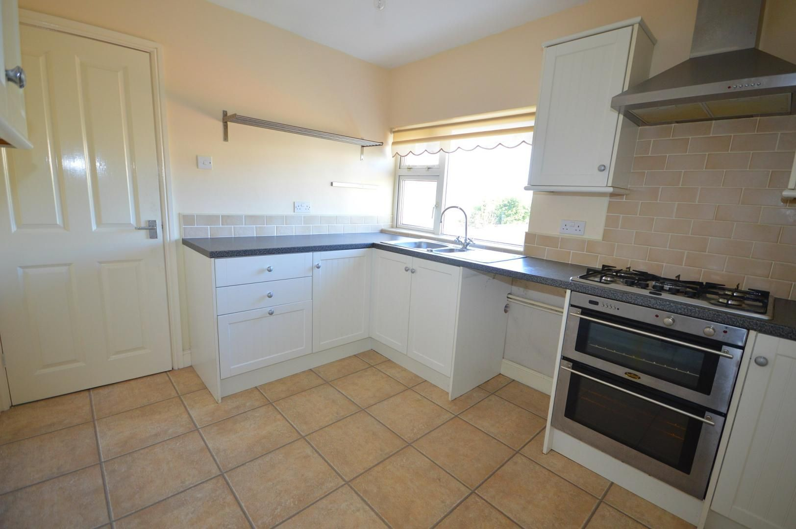 2 bed flat to rent in Glosters Parade - Property Image 1
