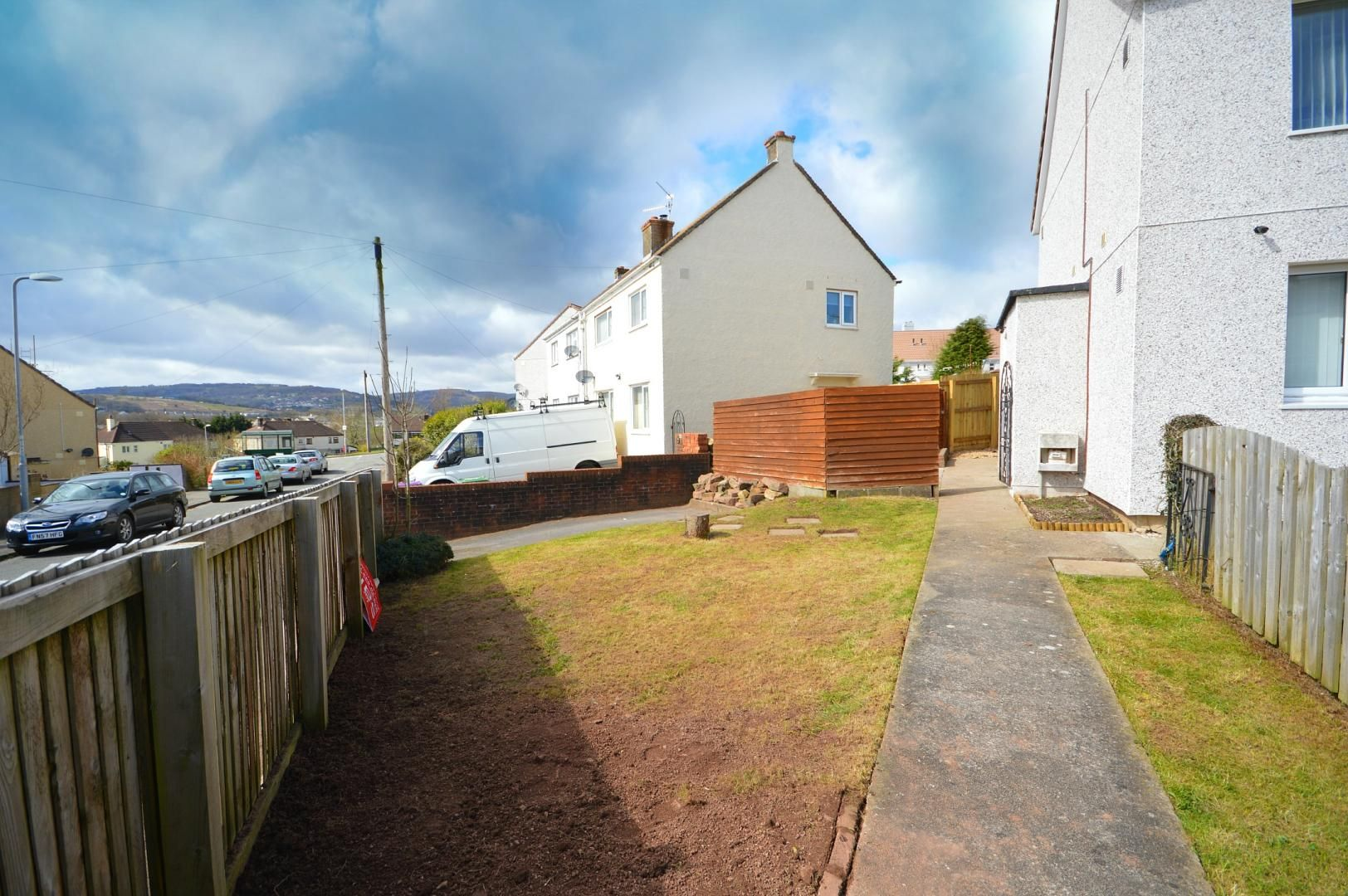 2 bed flat to rent in Glosters Parade 11