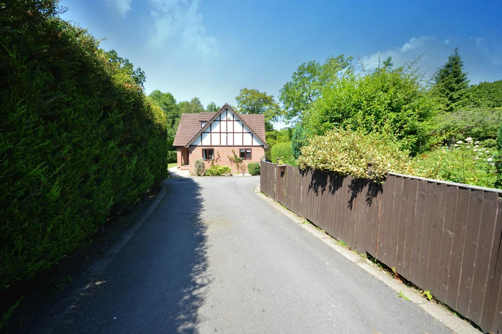 3 bed house to rent, NP4