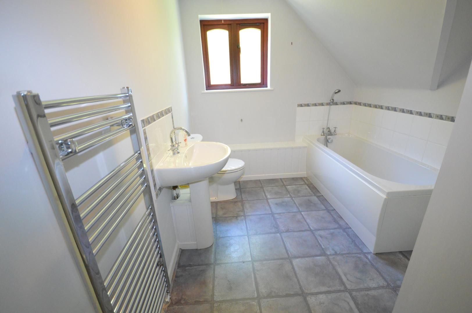 3 bed house to rent  - Property Image 11
