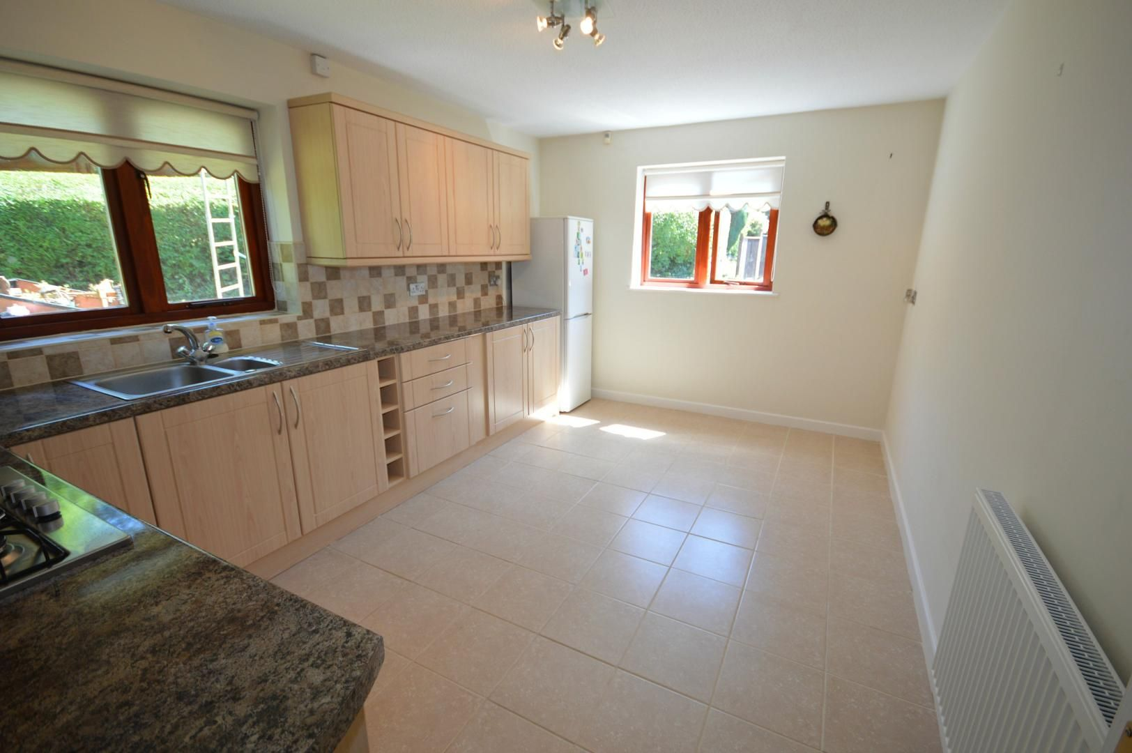 3 bed house to rent  - Property Image 5