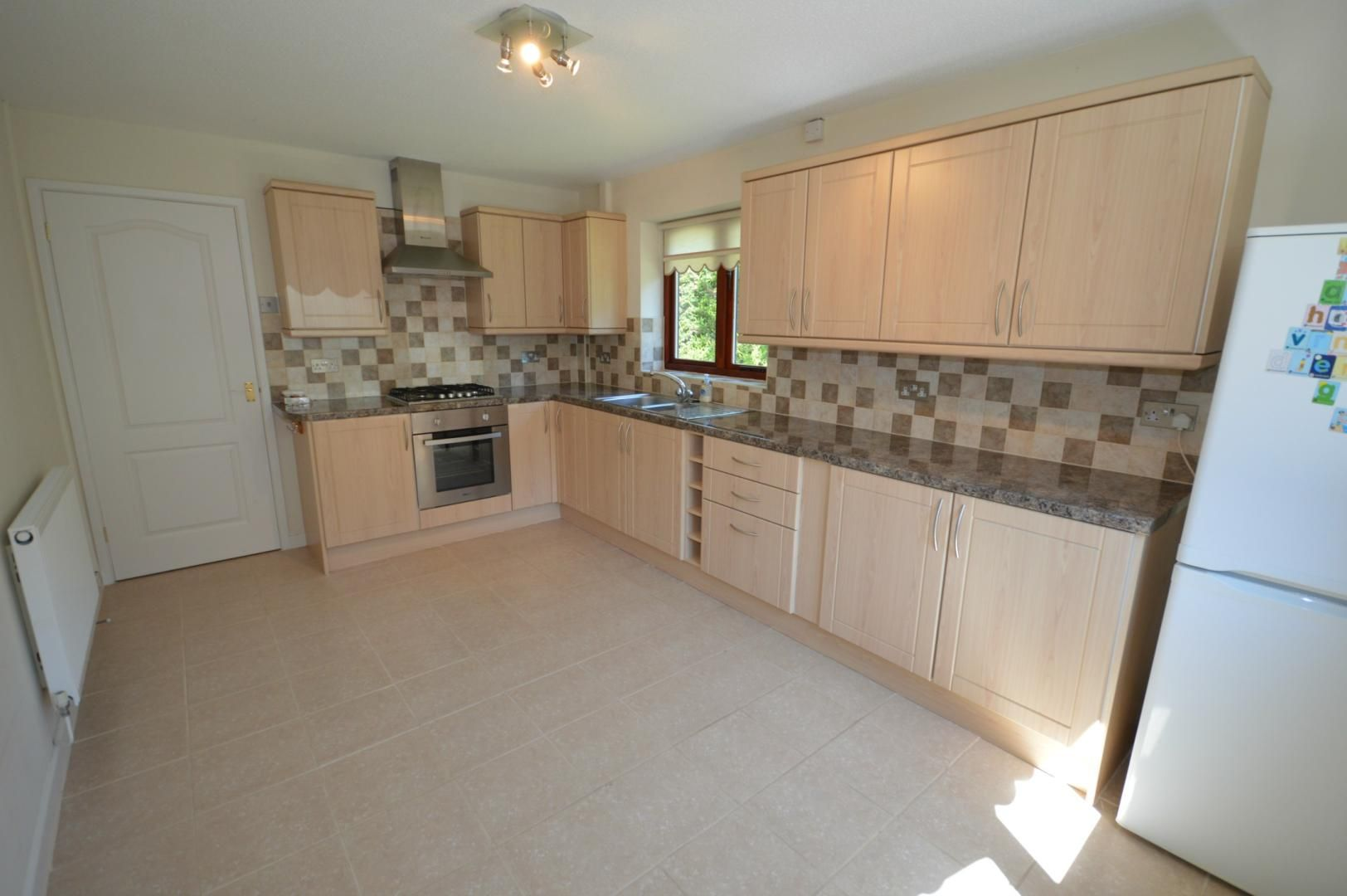 3 bed house to rent 6