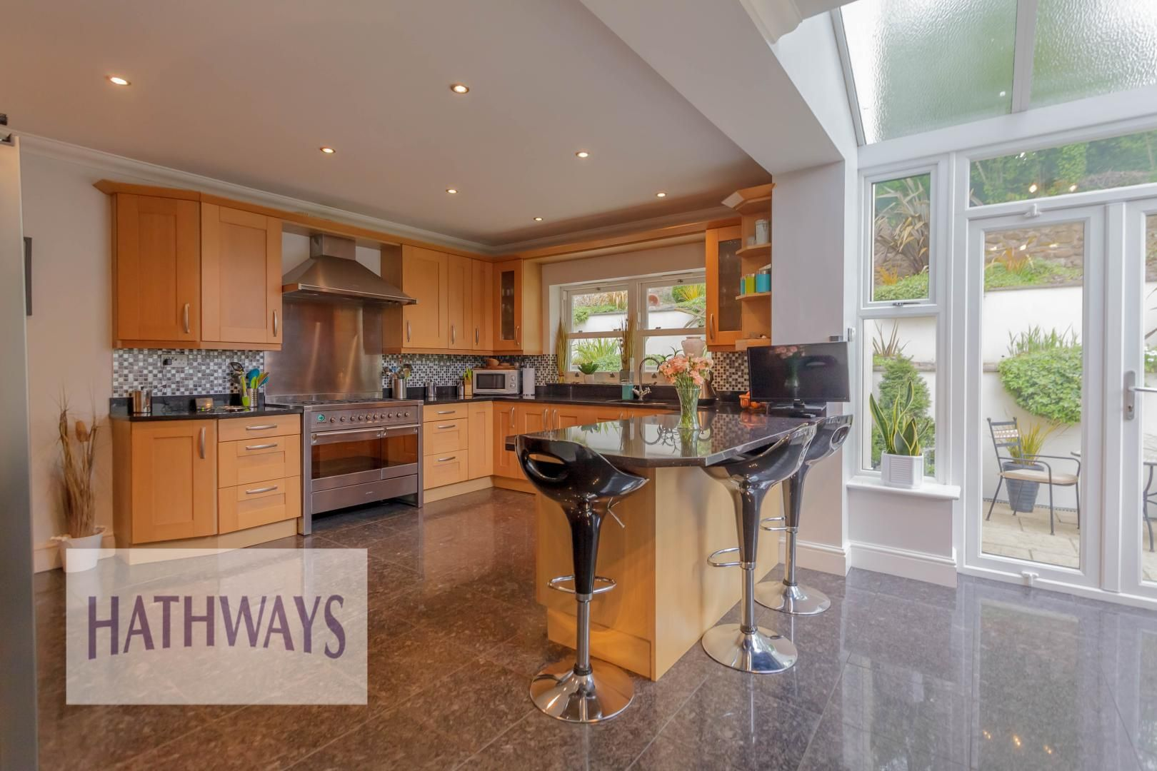 5 bed house for sale in Highfield Close 20