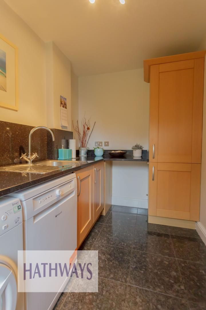 5 bed house for sale in Highfield Close 25