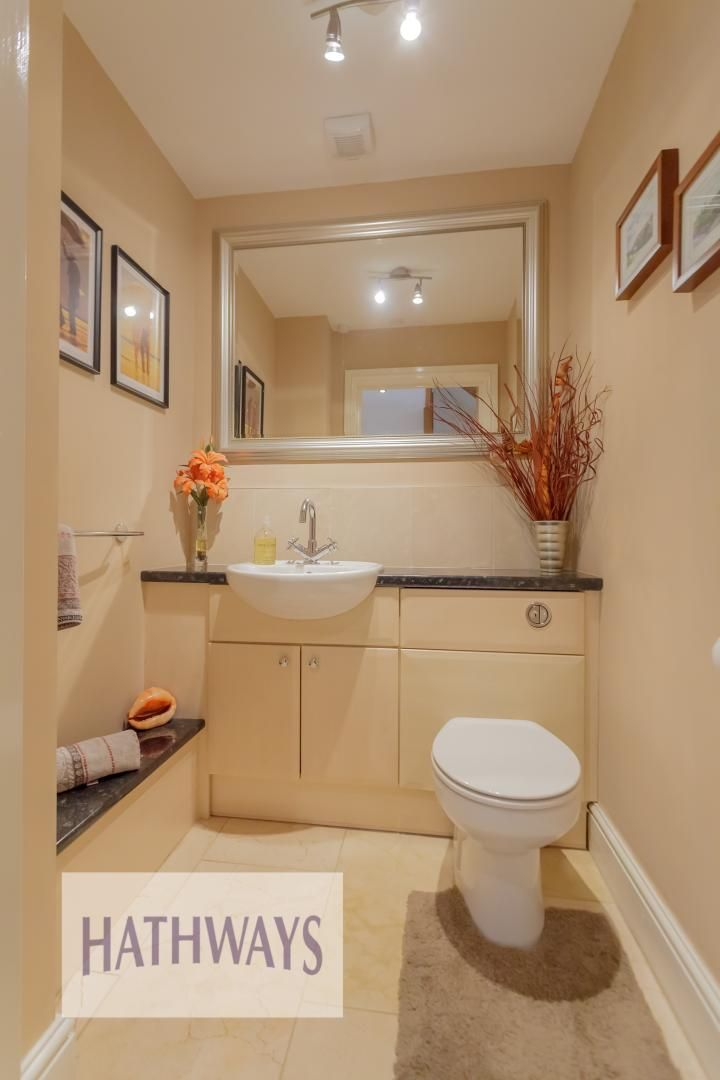 5 bed house for sale in Highfield Close 27
